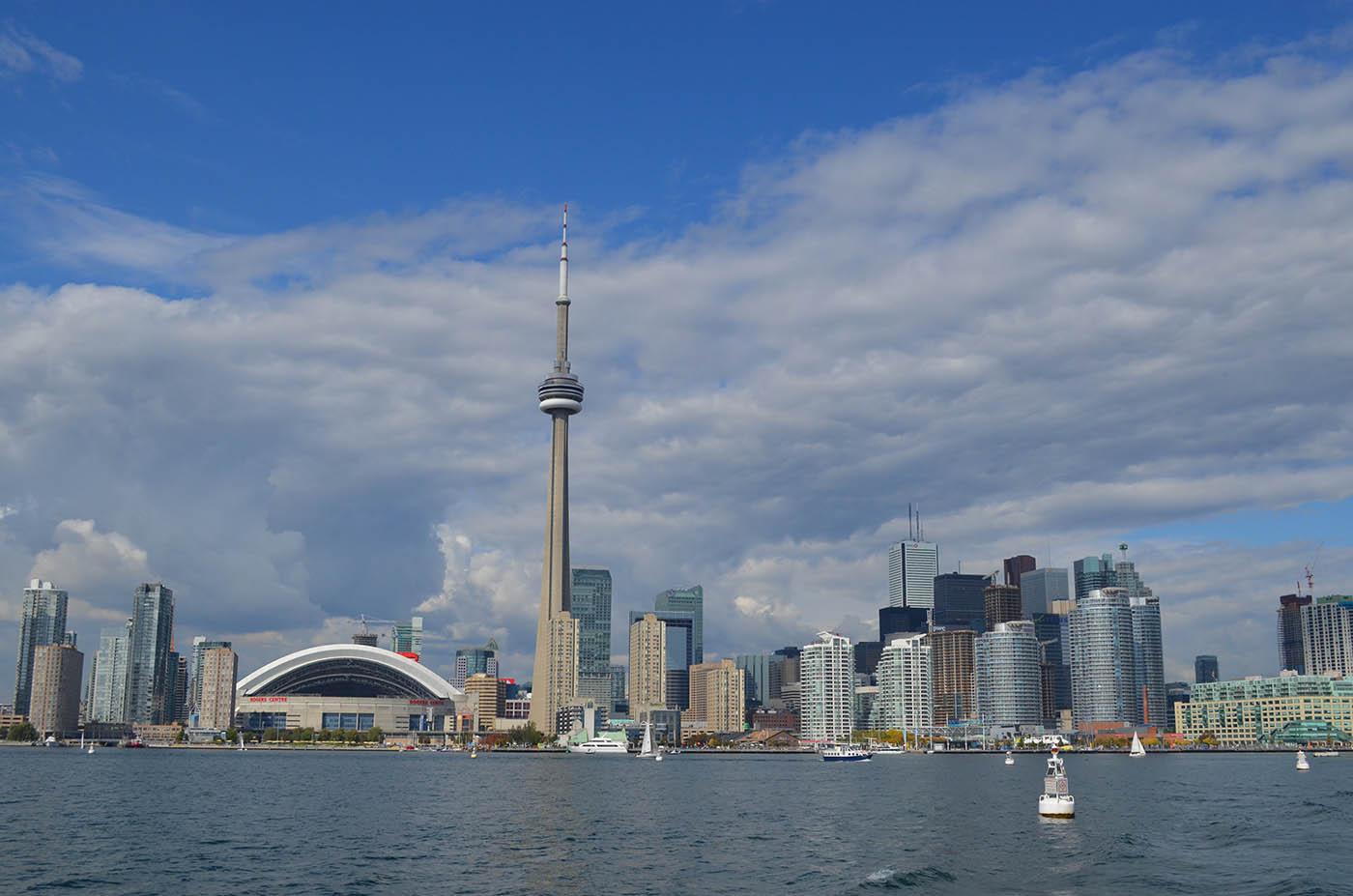 azijski izlazi iz Toronta izlazi iz kutanskog porculana